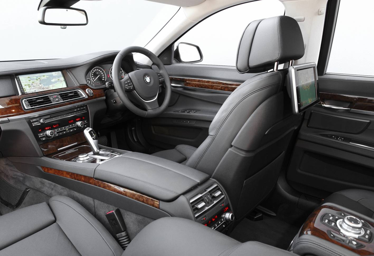 Hire a BMW 7 SERIES