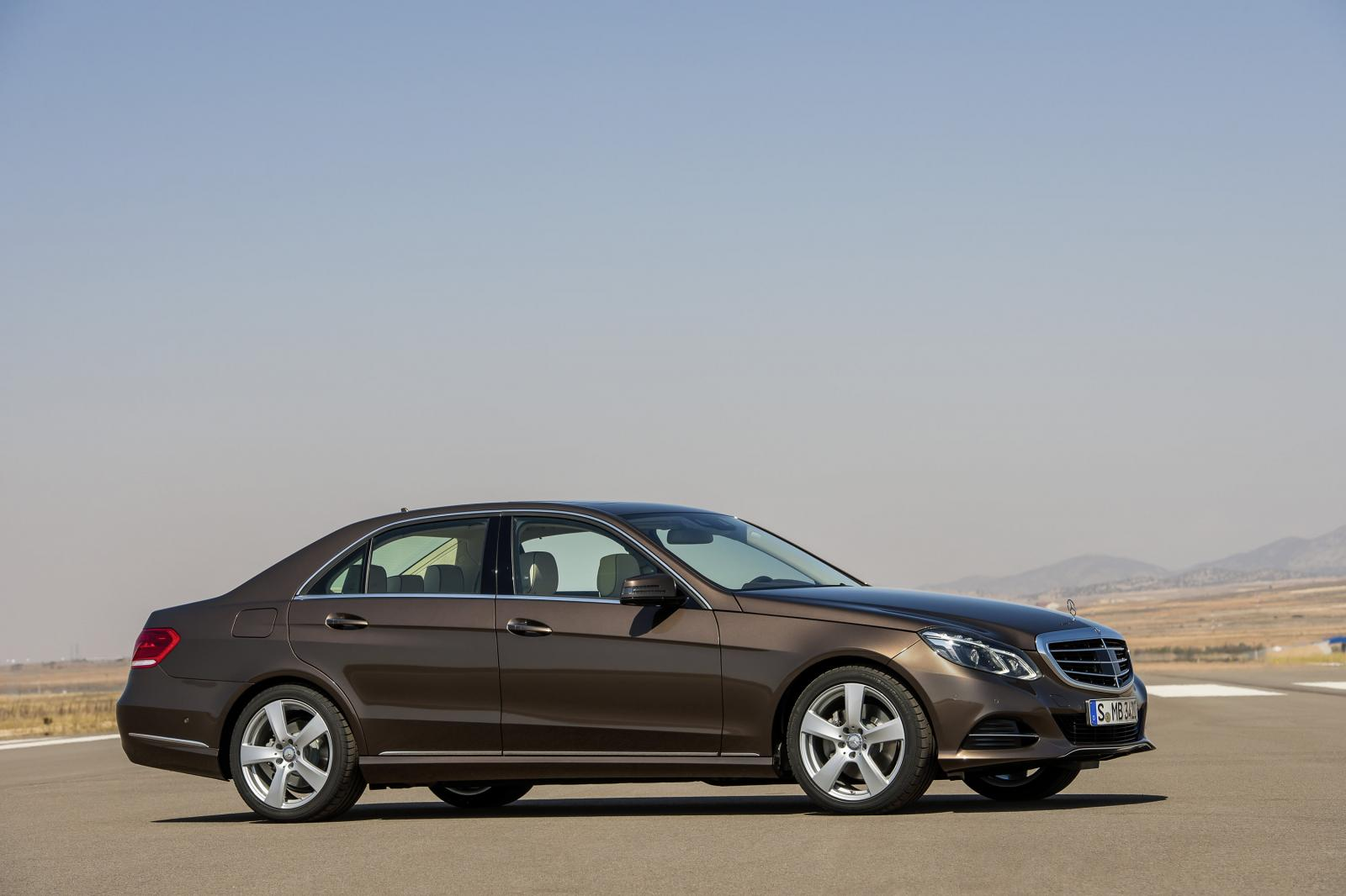 Luxury Car Hire Mercedes E class - Benz Car Rentals