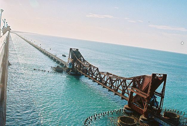 Book cabs Bangalore to Rameshwaram temple tour